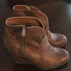 Day trip wedge booties